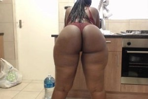 Hot South African MILF Jess Big Booty in The Kitchen